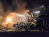 Strohballen lichterloh in Flammen